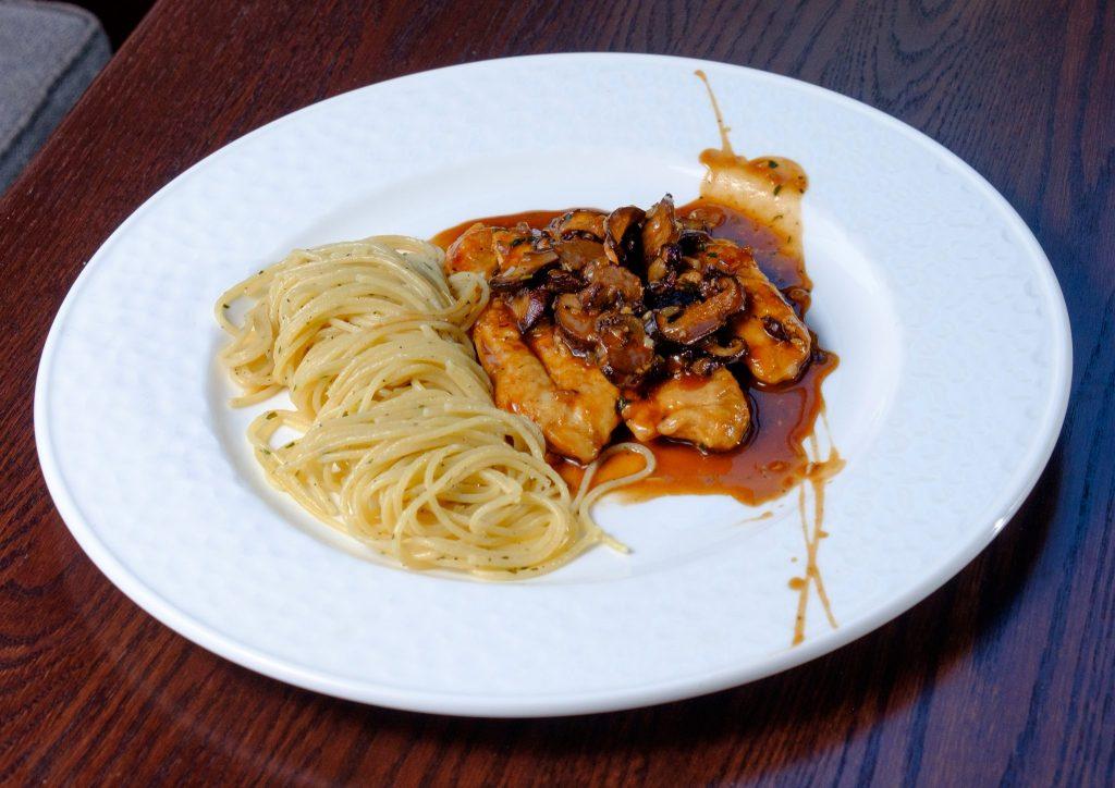 Varia's Chicken Marsala